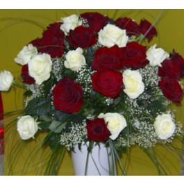 Ramo de 24 rosas blanco y rojo de tallo largo, Ramo de 24 rosas blanco y rojo de tallo largo