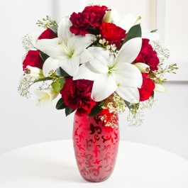 Romantic Bouquet in Red and White Colours, Romantic Bouquet in Red and White Colours