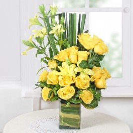 Assorted Yellow Flowers in a Vase             , Assorted Yellow Flowers in a Vase