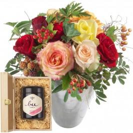 Magie de roses avec du miel de fleurs suisse, Magie de roses avec du miel de fleurs suisse