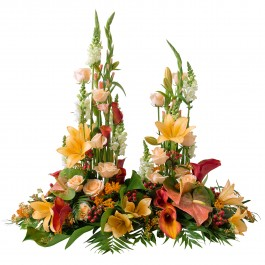 Front of grave in orange and white colours, Front of grave in orange and white colours