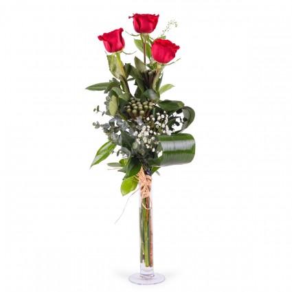 Tércia, 3 Rosas Vermelhas de Pé Longo