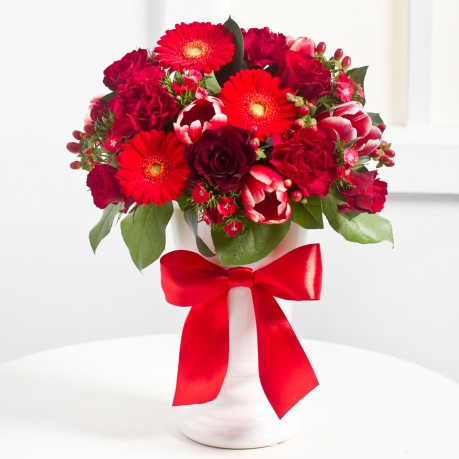 Elegant Bouquet in Red colours, Elegant Bouquet in Red colours