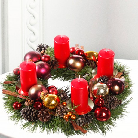 Classic Christmas Wreath with red candles, Classic Christmas Wreath with red candles