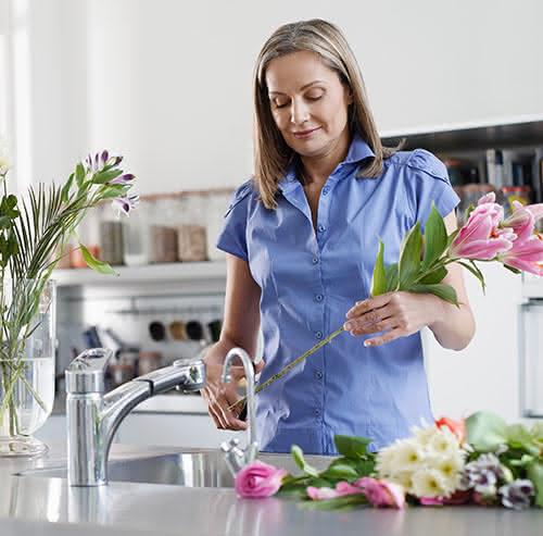 5 conselhos rápidos para as suas flores acabadas de chegar a casa