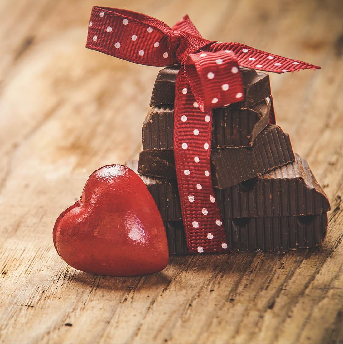 A origem de oferecer chocolates no São Valentim