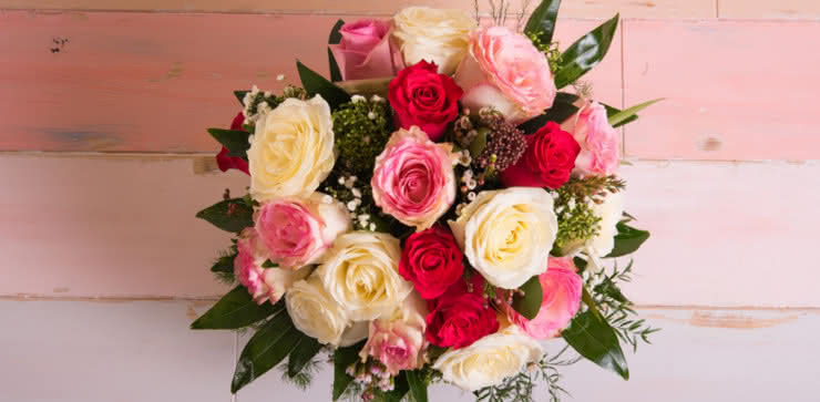 Enviar arranjo de rosas ao domicílio