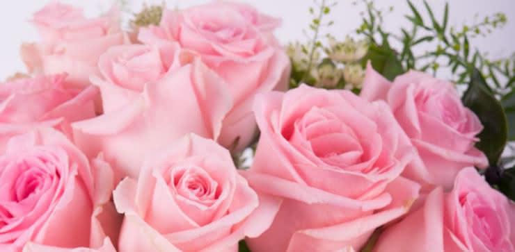 Enviar arranjo de rosas cor-de-rosa ao domicílio