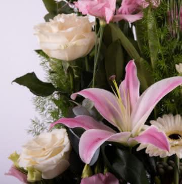 Enviar centro con rosas