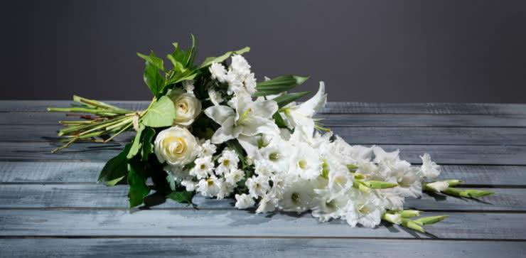 Enviar flores para um funeral ao velorio